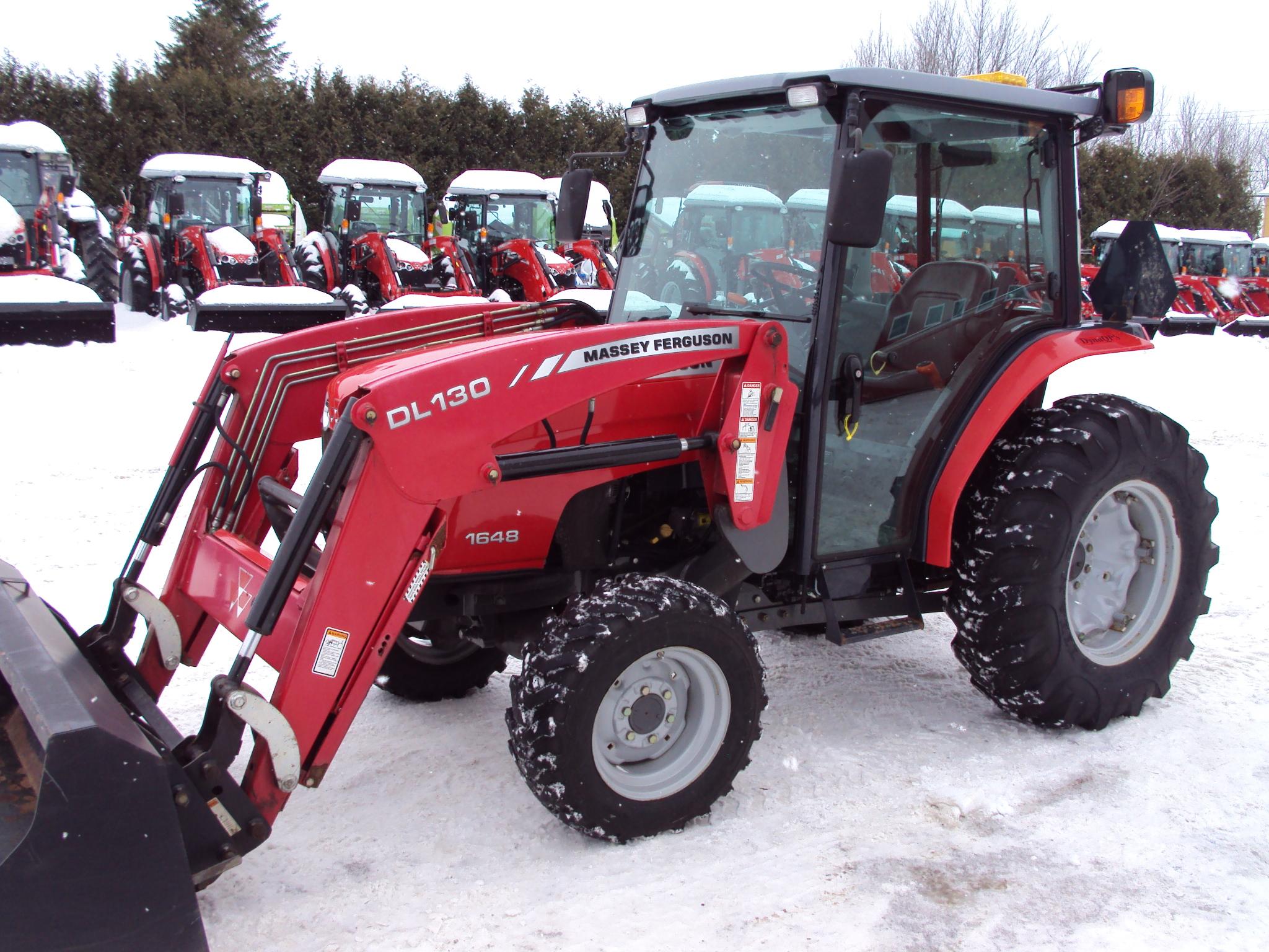tracteur massey ferguson tractor grand falls tractor equipment. Black Bedroom Furniture Sets. Home Design Ideas